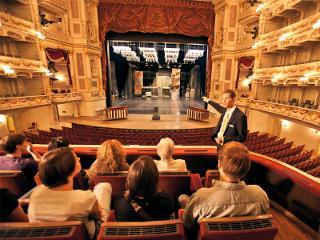 Semperoper Dresden: Zuschauerraum, Blick auf die Bühne / Urheber: Foto: c by f L y / Rechteinhaber: © Semperoper Dresden