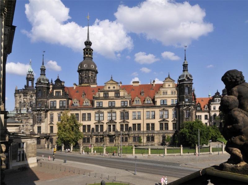 Blick vom Zwinger auf dem Schloss / Urheber: Frank Exß / Rechteinhaber: © DML Lizenz