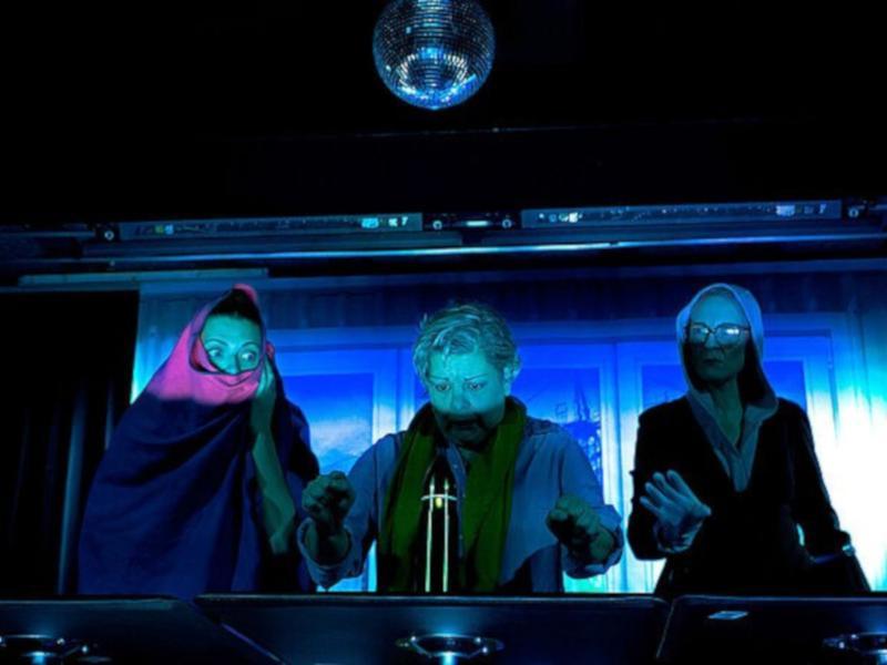 KollegINNEN / Urheber: Armin Zarbock / Rechteinhaber: © Theaterkahn - Dresdner Brettl