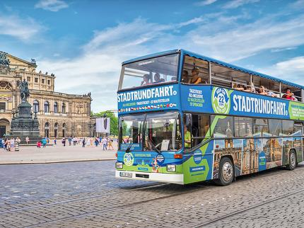 Great City Tour – hop off, hop on at 22 stops - children with adults