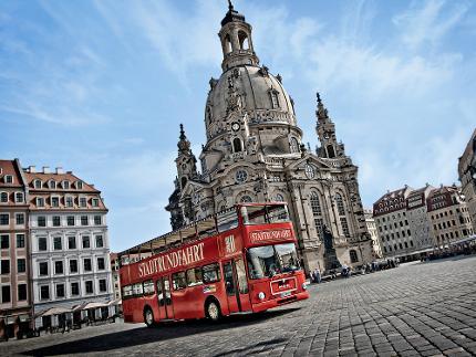 2 in 1 – außergewöhnliche Stadtrundfahrt, live moderiert, in Kombination mit einem Historischen Stadtrundgang