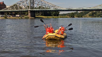 Pillnitz-Tour mit dem Schlauchboot