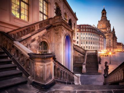 Besinnliches Dresden - Stadtrundgang, Adventskaffeegedeck und Frauenkirche