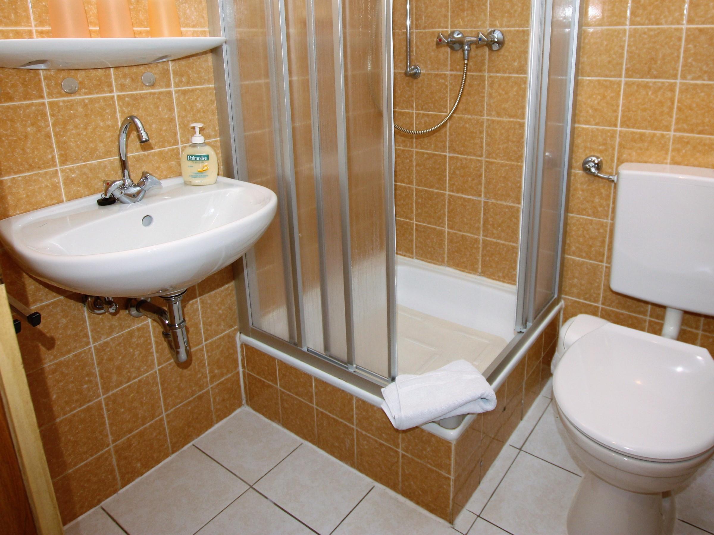 ferienwohnung stein freiburg ferienwohnung 36 qm 1 schlafzimmer max 4 personen. Black Bedroom Furniture Sets. Home Design Ideas