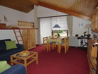 Wohnzimmer mit Hochbetten Fewo 1
