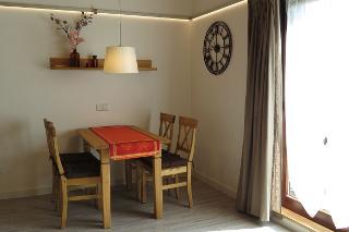 Essplatz im Wohnzimmer Fewo 2