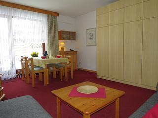 Wohnzimmer mit Essbereich Fewo 4