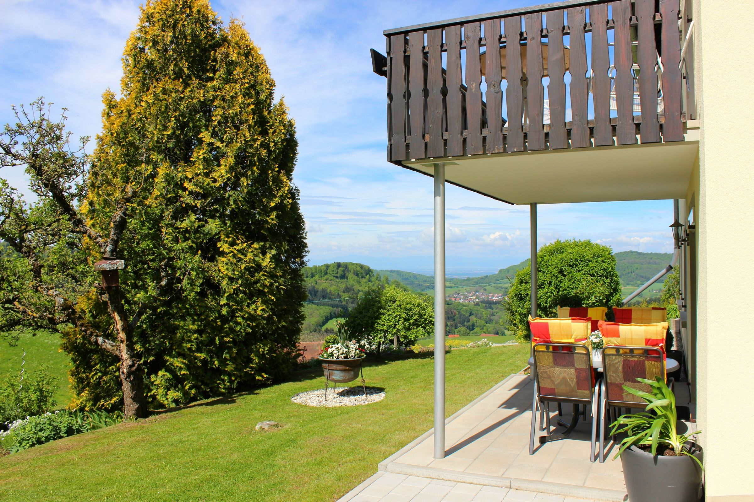 Ferienwohnung Panoramablick, (Horben). Nichtraucher-49qm, 1 Schlafraum, 1 Wohn-/Schlafraum, max. 3 Perso (2717405), Horben, Schwarzwald, Baden-Württemberg, Deutschland, Bild 2