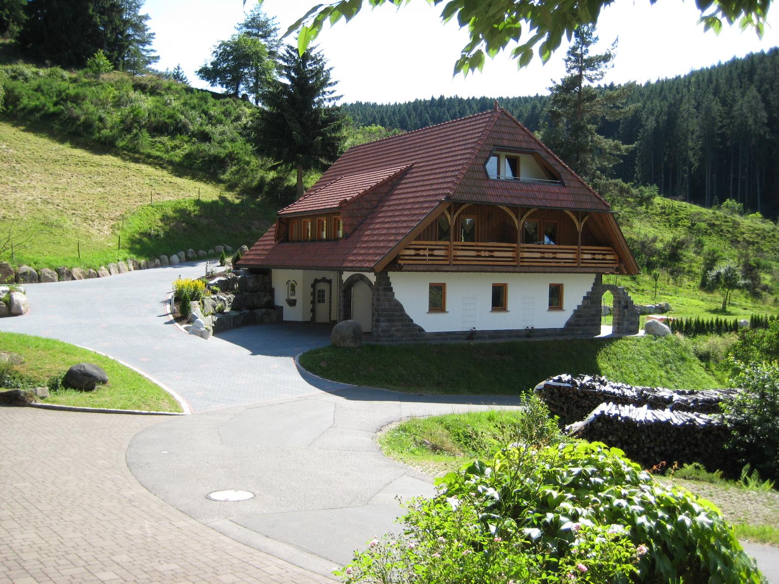 Ferienwohnungen Holzbildhauer Kammerer, (Triberg-N Ferienwohnung  Schwarzwald
