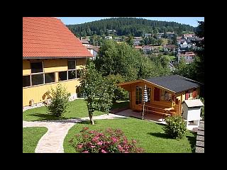 Garten - Gartenhaus mit Grillmöglichkeit und Liegewiese