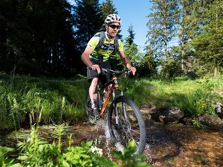 Mountainbike und Fahrradtouren in der idyllischen Natur