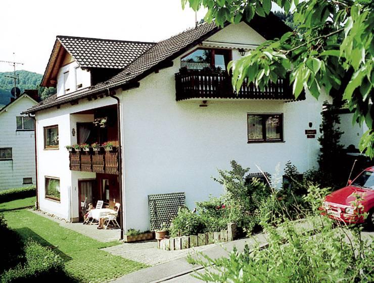 Maria Allgaier, (Hofstetten). Balkonzimmer mit Eta Ferienwohnung  Schwarzwald