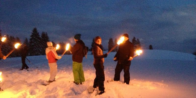 Schneeschuhwanderung: Fackelwanderung mit Glühwein am Belchen
