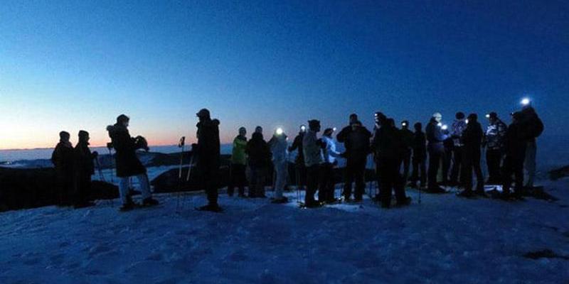 Schneeschuhwanderung: Zur Blauen Stunde auf den Feldberg