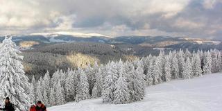 Schneeschuhwanderung über vier Gipfel / Urheber: Original Landreisen AG / Rechteinhaber: © Original Landreisen AG