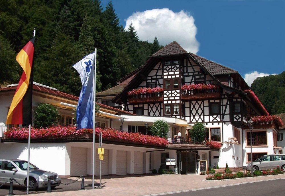 Häfner's Flair Hotel Adlerbad, (Bad Pete Ferienwohnung  Schwarzwald