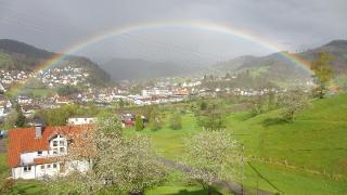 Regenbogenblick im Guckinsdorf