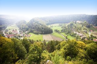 Großes Lautertal (Blick von Ruine Hohengundelfingen)