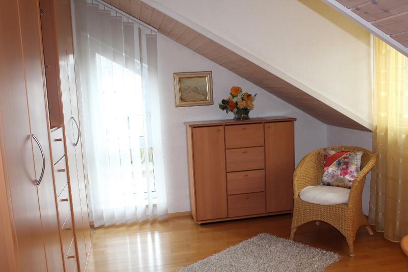 ferienwohnung petra wacker tourismus und stadtmarketing. Black Bedroom Furniture Sets. Home Design Ideas