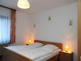 Schlafzimmer 1-2