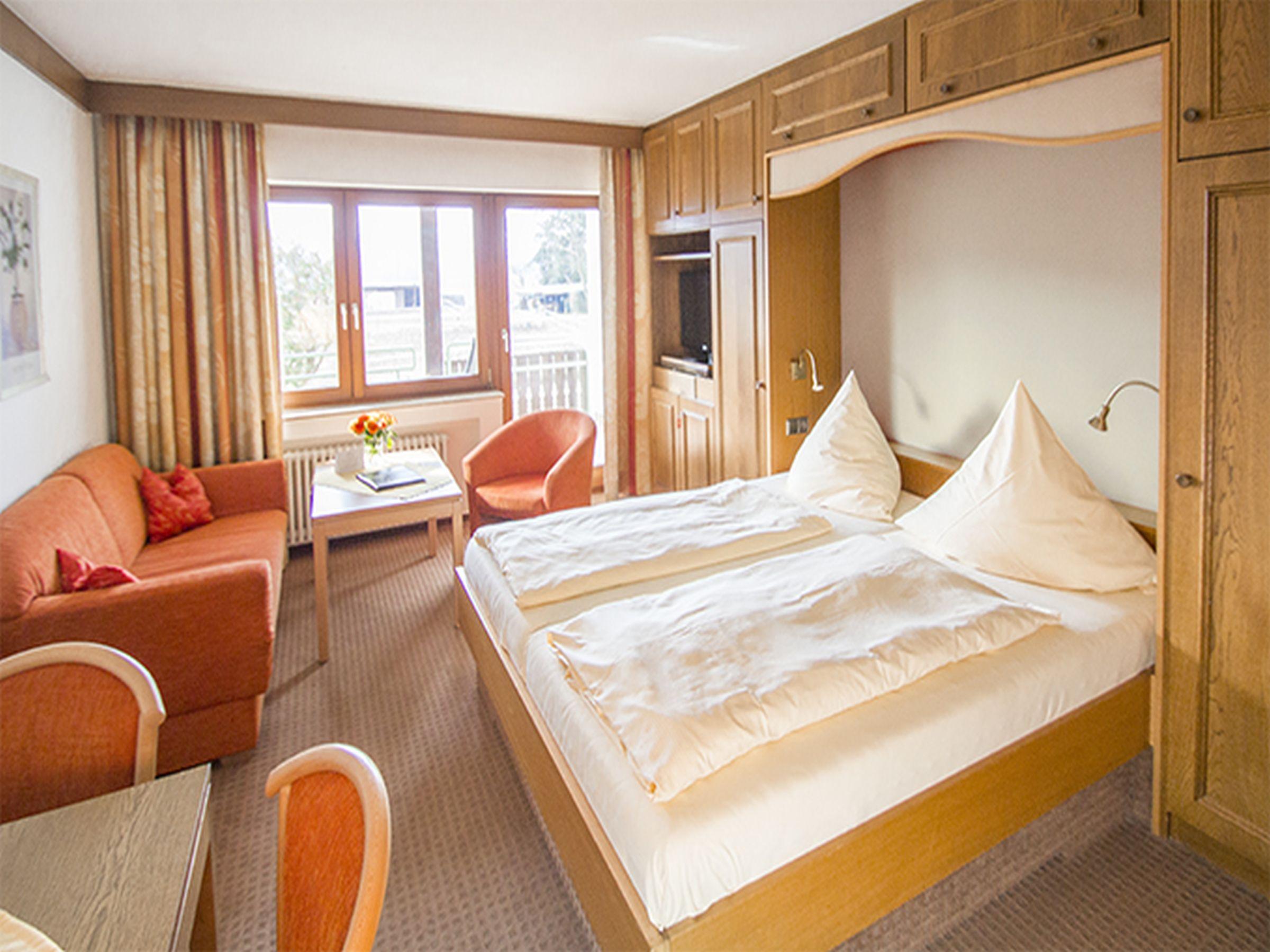 hotel restaurant hirschenstube waldkirch buchholz. Black Bedroom Furniture Sets. Home Design Ideas