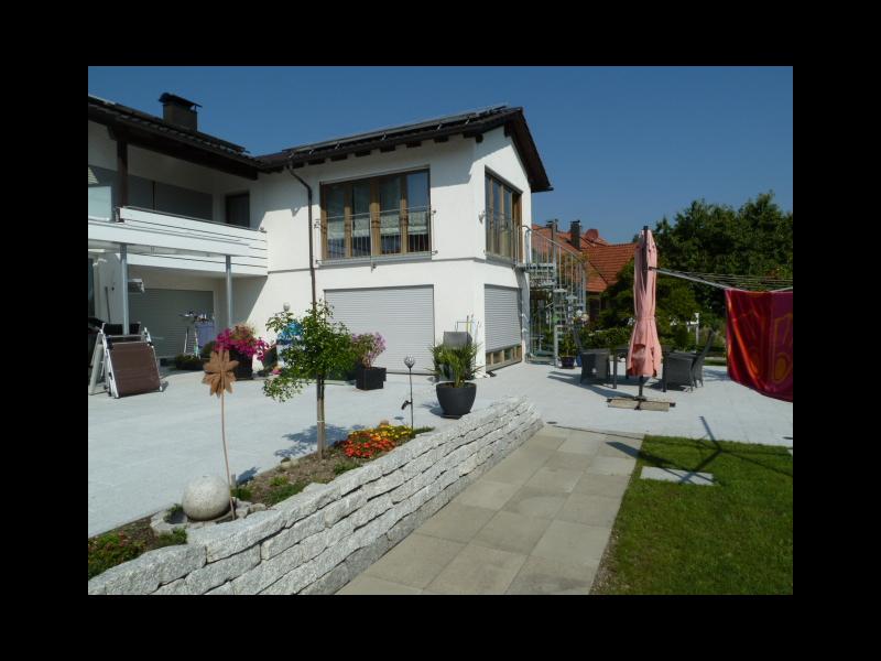 Haus mit Gartenansicht