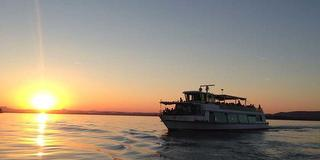 Abendrundfahrt mit italienischem Buffet / Urheber: Schifffahrt Lang / Rechteinhaber: © Schifffahrt Lang