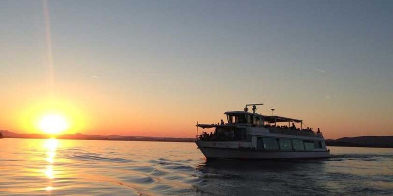 Schifffahrt: Abendrundfahrt mit italienischem Buffet