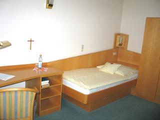 Single room / Author: Ev. Diakonissenanstalt Stuttgart / Copyright holder: © Ev. Diakonissenanstalt Stuttgart