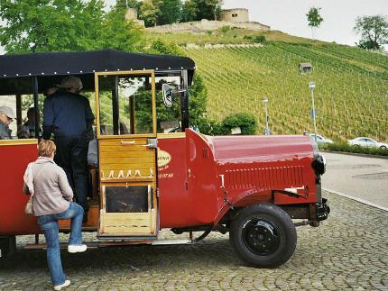 Weinbergrundfahrt im Oldtimerbus - Weingut Wöhrwag H.P./Collegium Wirtemberg