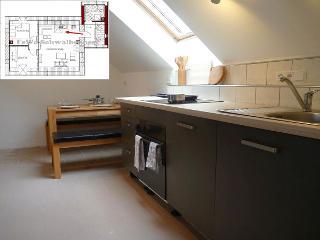 Moderne Küchenzeile & Essbereich der Ferienwohnung Schwalbennest