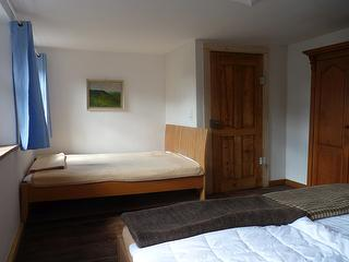 Das Französische Bett als Einzel- sowie auch als Doppelbett nutzbar.