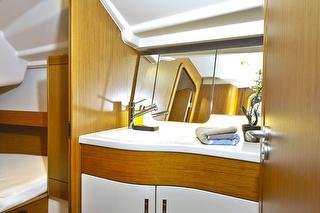 Yacht Room