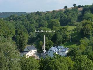 Lage der Gäste-Lounge zwischen beiden Ferienhäusern