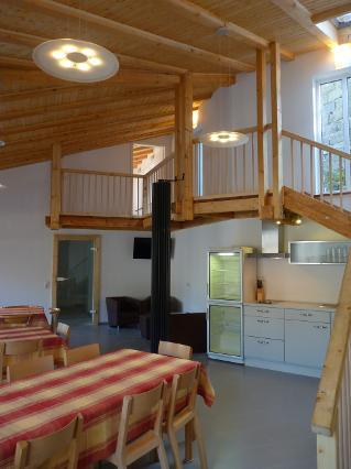 Gäste-Lounge mit Galerie