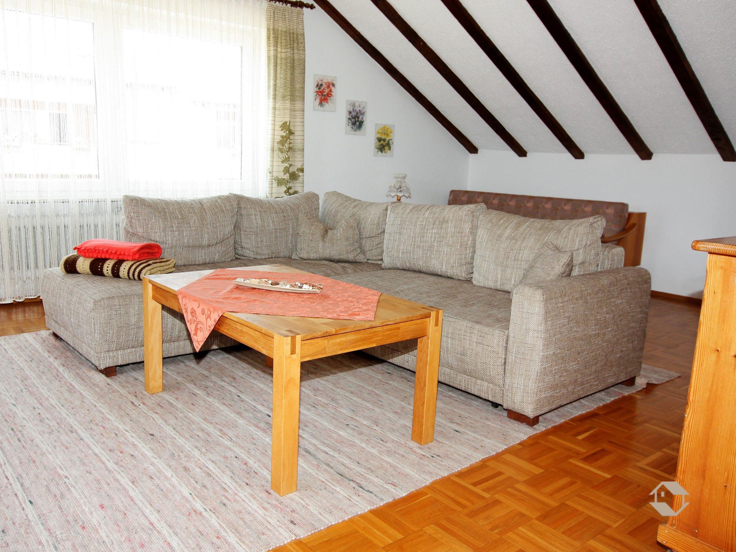 Ferienwohnung manfred lohr pfullendorf ferienwohnung for Sofa 8 personen