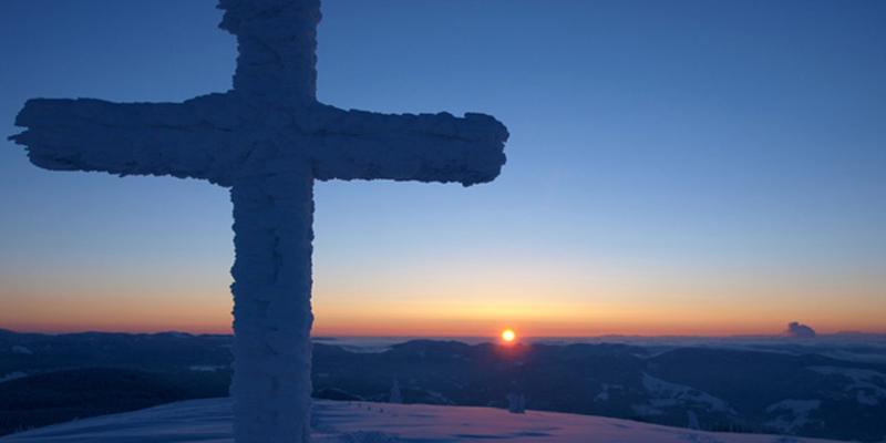 Schneeschuhwanderung: Zur Blauen Stunde auf den Belchen
