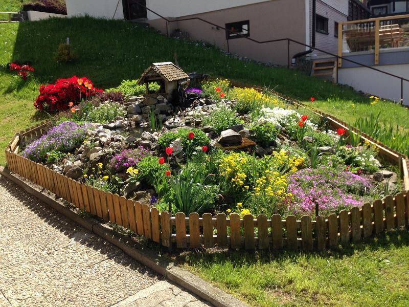 Teich mit Garten