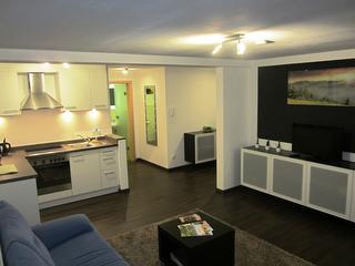 Wohnzimmer u. Küche
