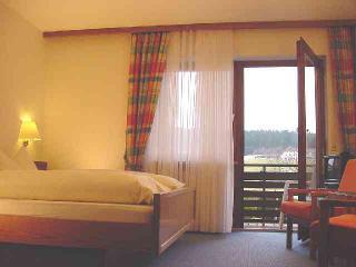 Balkon Zimmer Südseite Sommer