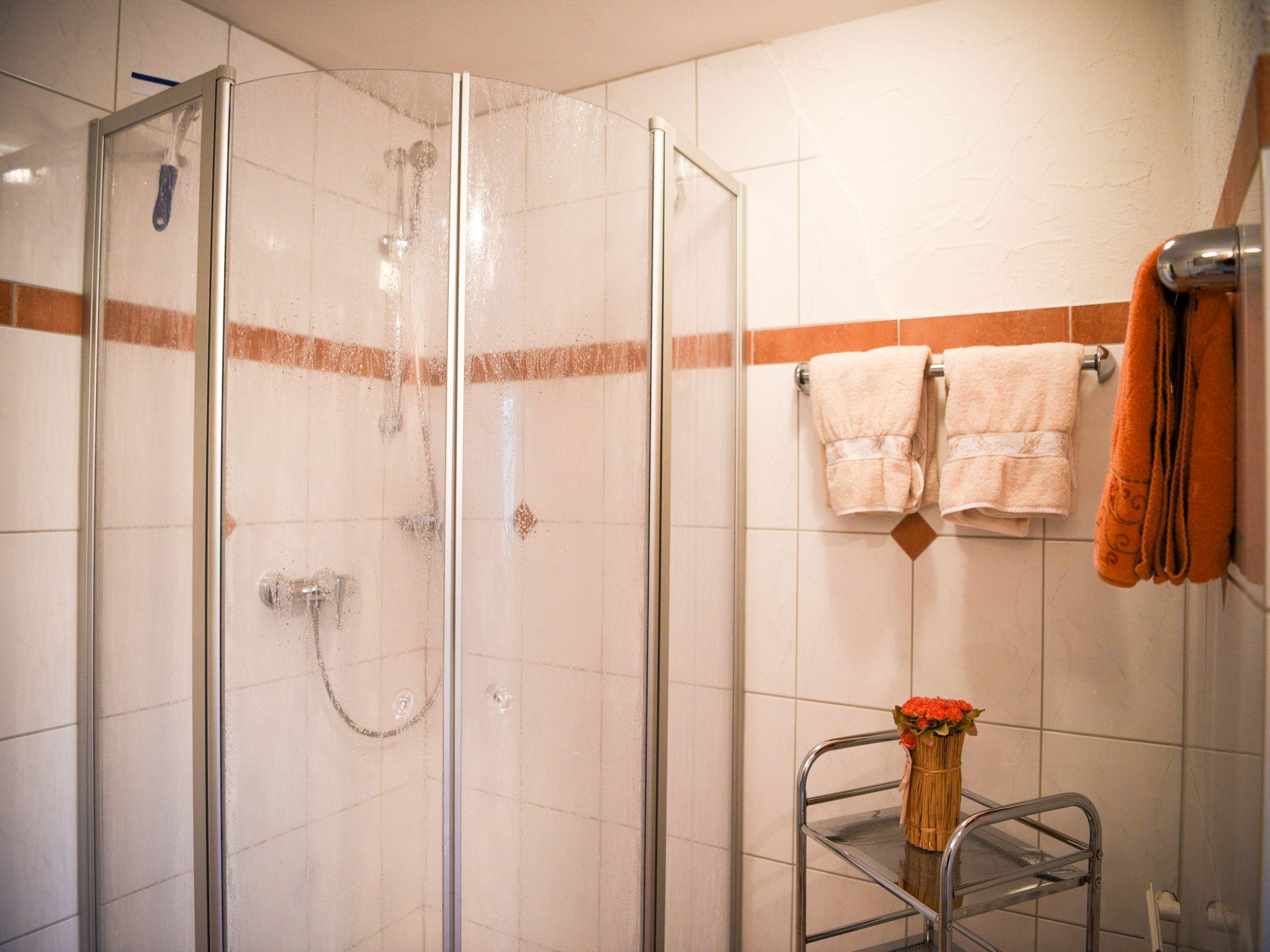 haus luise, (lenzkirch). fereinwohnung, 65 qm, 2 schlafzimmer, max, Badezimmer ideen
