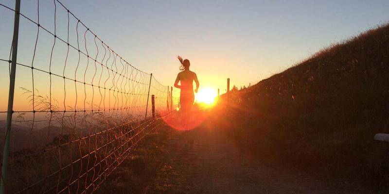 Skinfit Trailrun: Zum Sonnenaufgang auf den Belchen