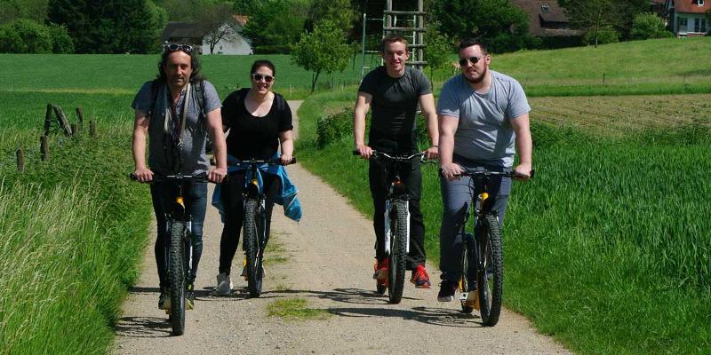 Tret-Roller-Tour: Durch die Reben zur Weinprobe
