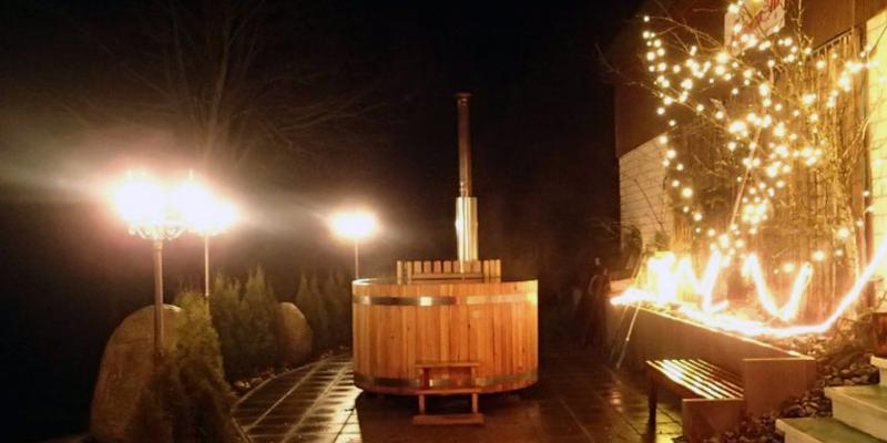 Romantisches Bad im Badezuber mit anschließendem Käsefondue