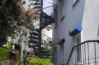 Zugang zum Appartement über außenliegende Wendeltreppe ins 2. OG