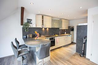 Wohnküche mit Bar