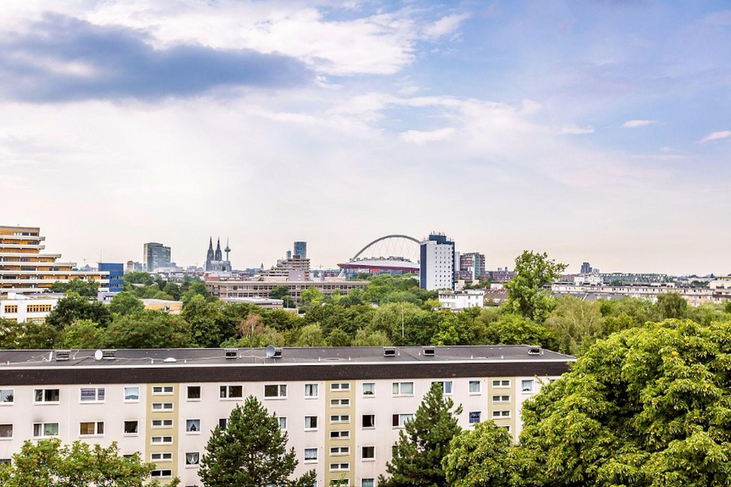 Ferienwohnungen Deutz, (Köln). Ferienwohnung K5, 48qm, 1 Schlafzimmer, 1 Wohn-/Schlafzimmer, Balkon, max. 5 Personen