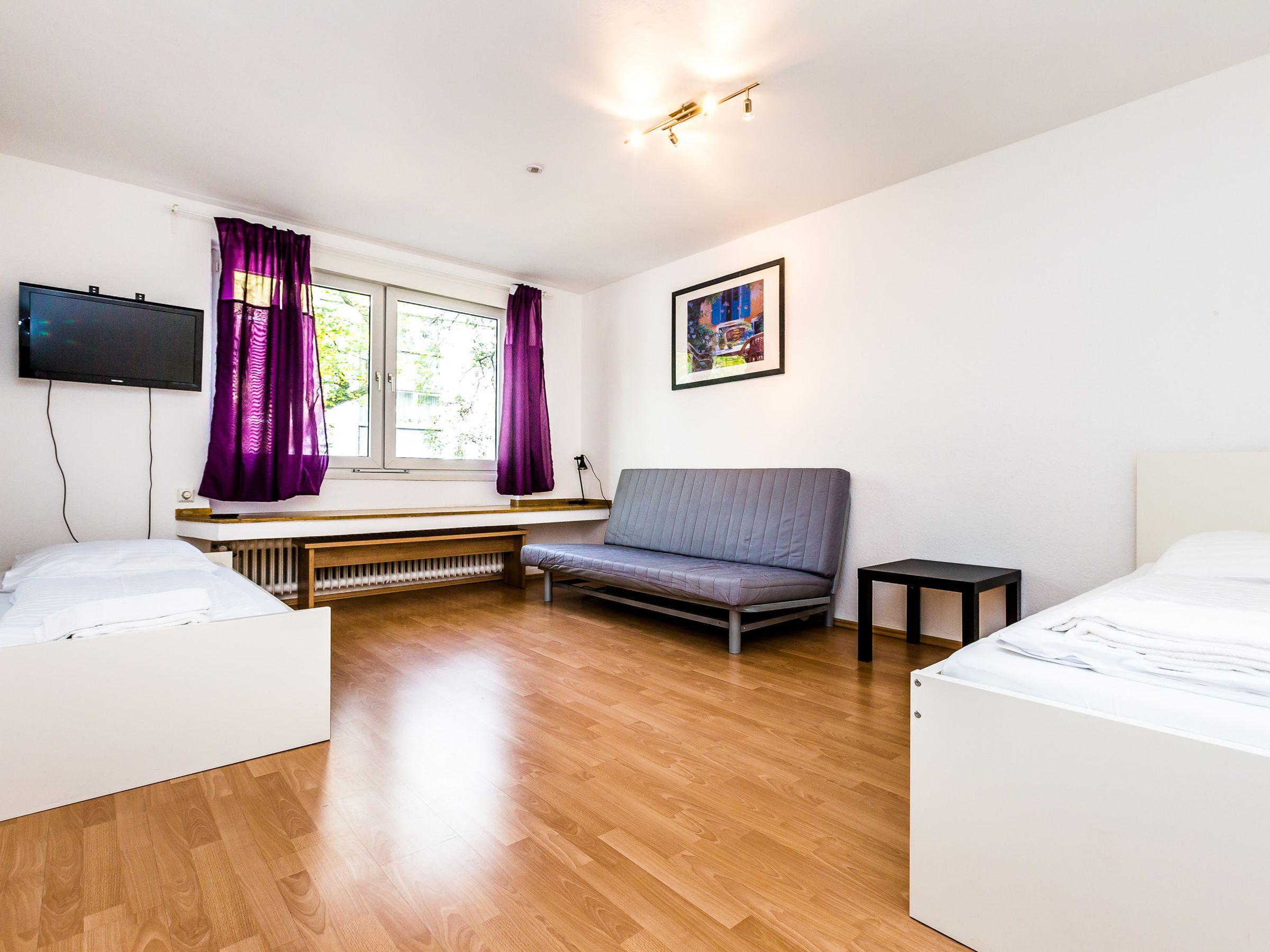 K63 and K66 Apartment, (Köln). Ferienwohnung K66, 57qm, 1 Schlafzimmer, 1 Wohn-/Schlafzimmer, max. 5 Personen