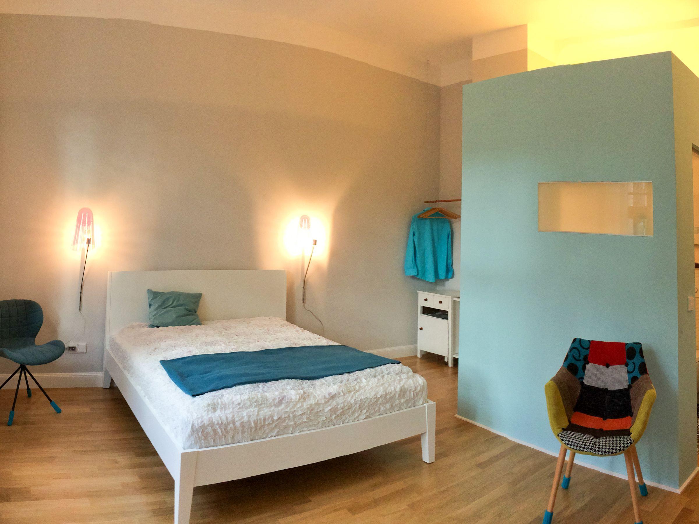 aTa and oMo, (Köln). Appartment aTa, 22qm, 1 Wohn-/Schlafzimmer, max. 2 Personen
