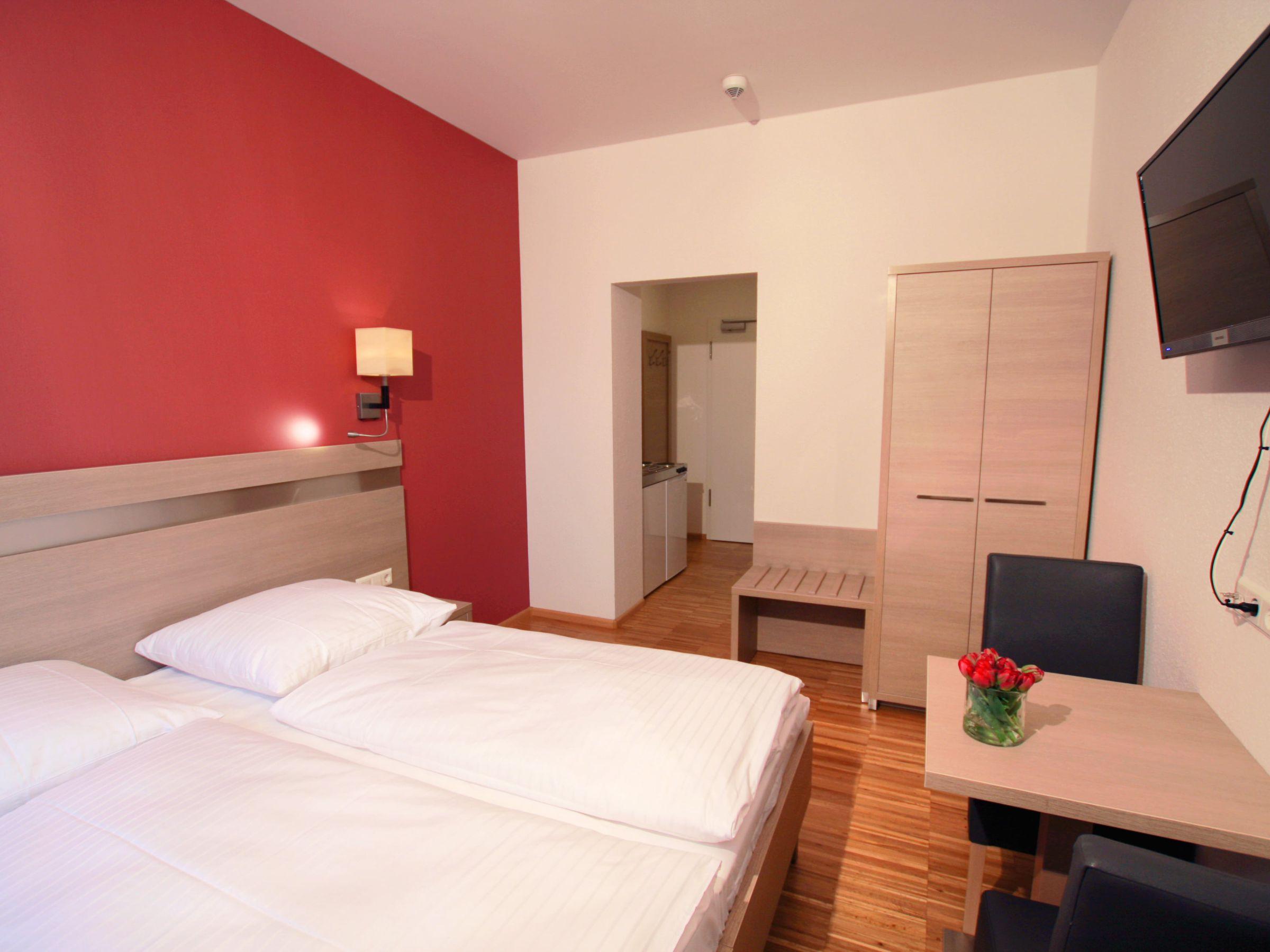 Aparthotel Orchidea, (Ihringen). Doppelzimmer Stan Ferienwohnung